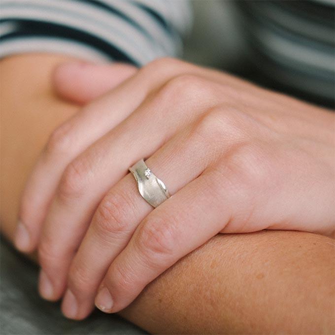 _0000_N°8_1_Ines Bouwen jewelry_wedding ring