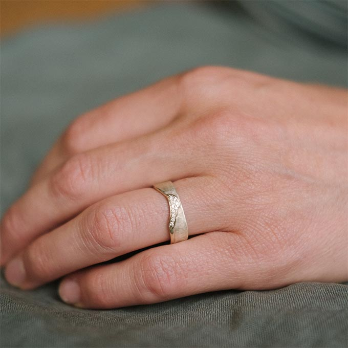 _0003_N°3_10_Ines Bouwen jewelry_wedding ring