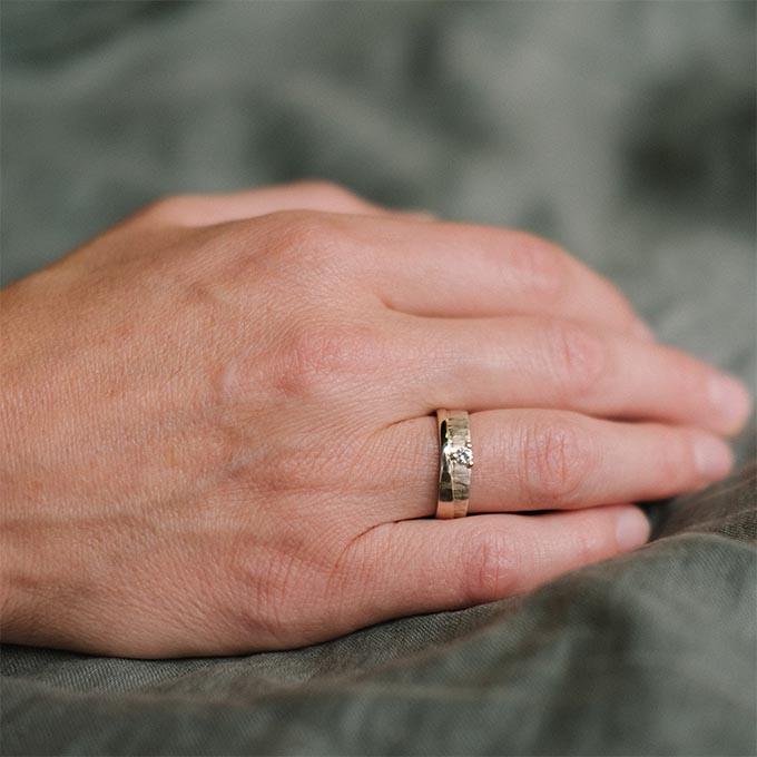 _0004_N°2_1_Ines Bouwen jewelry_wedding ring
