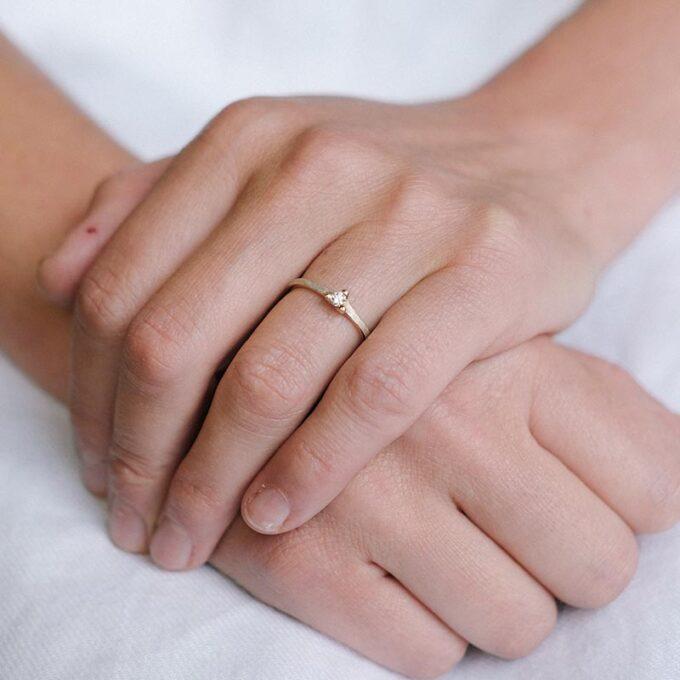 Engagement ring 070