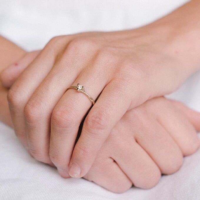 Engagement ring 059