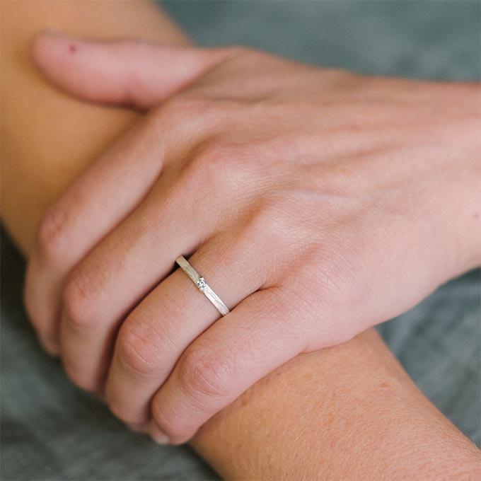_0013_ N° 53_1_Ines Bouwen jewelry_wedding ring_white
