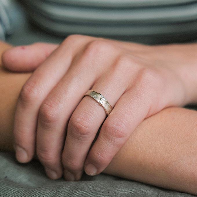 _0015_N°51_1_Ines Bouwen jewelry_wedding ring