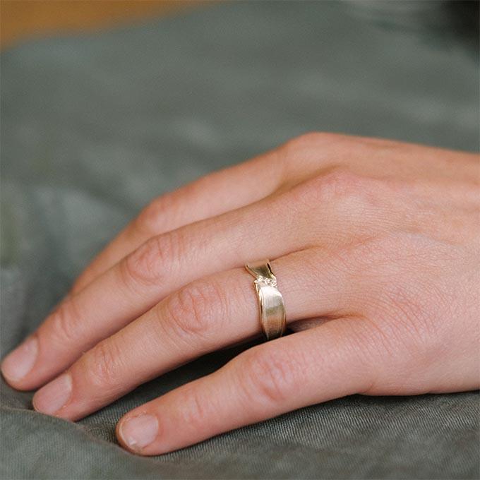 _0020_N°44_3_Ines Bouwen jewelry_wedding ring_