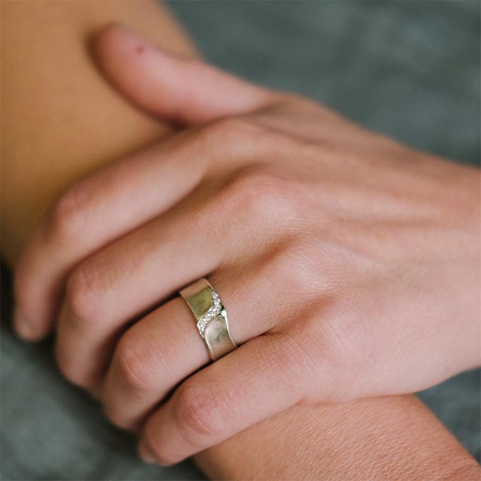 _0028_N°34_7_Ines Bouwen jewelry_wedding ring_
