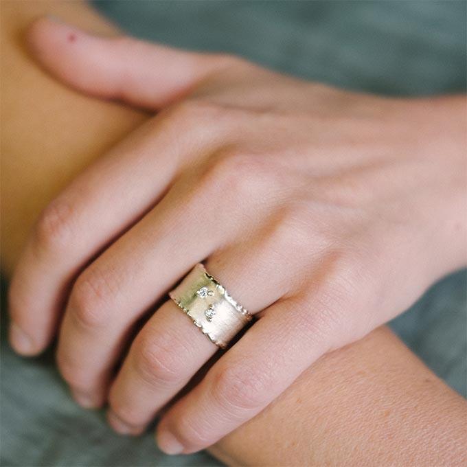 _0031_N°33_2_Ines Bouwen jewelry_wedding ring