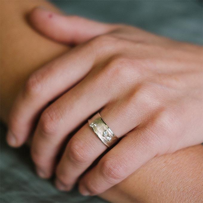 _0034_N°29_3_Ines Bouwen jewelry_wedding ring