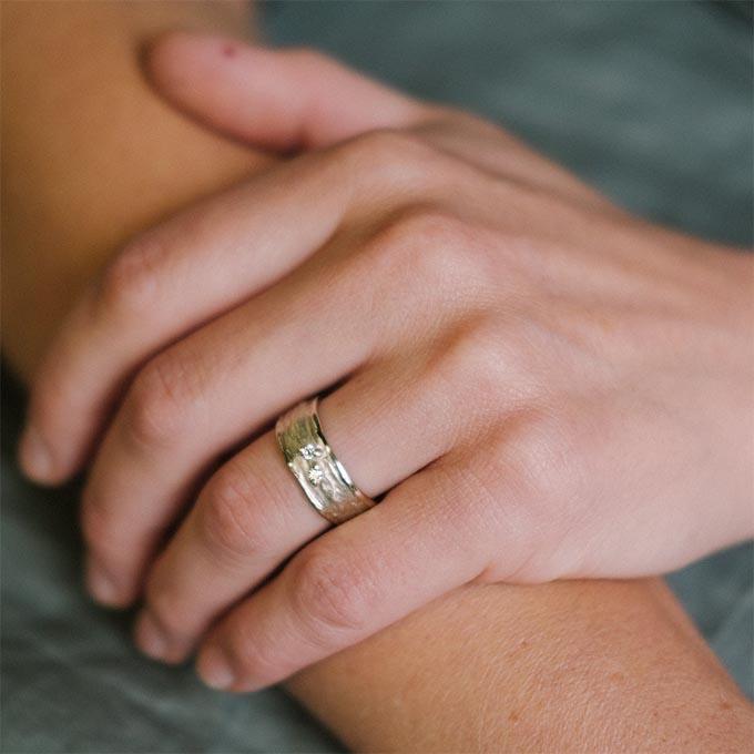 _0035_N°28_2_Ines Bouwen jewelry_wedding ring