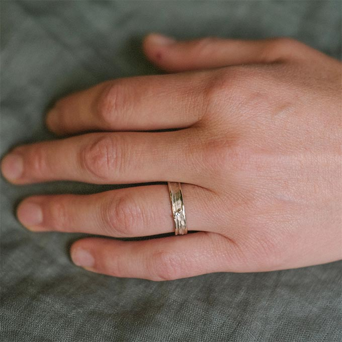 _0038_N°22_1_Ines Bouwen jewelry_wedding ring