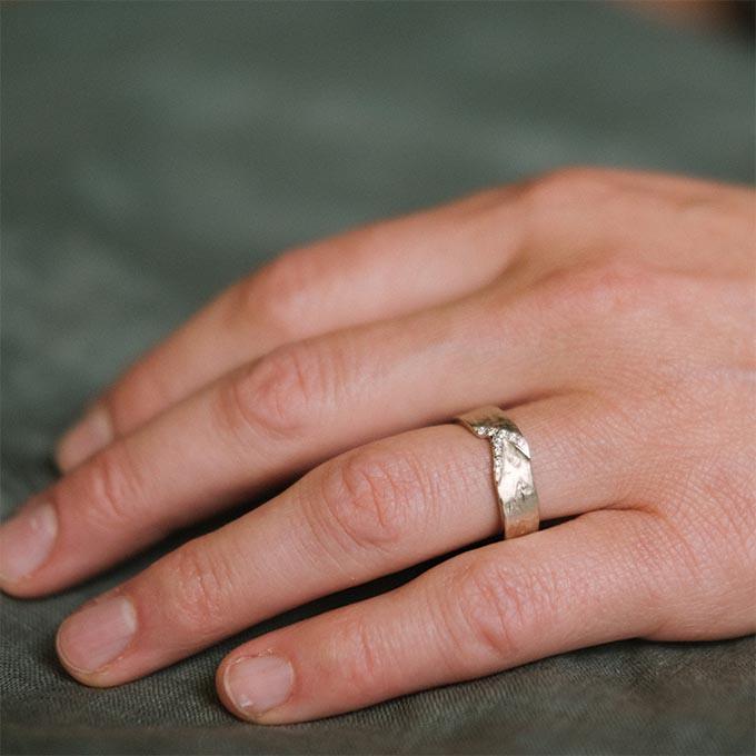 _0048_N°20_9_Ines Bouwen jewelry_wedding ring