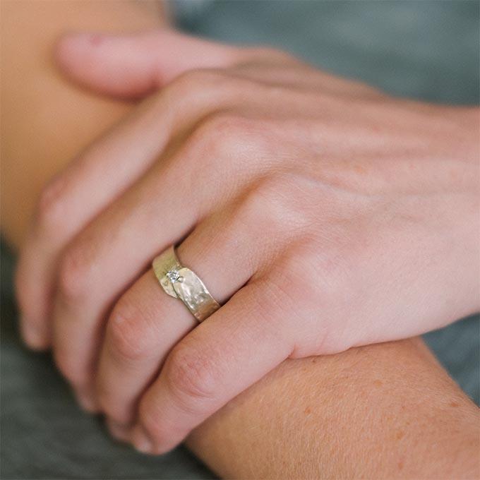 _0050_N°19_1_Ines Bouwen jewelry_wedding ring