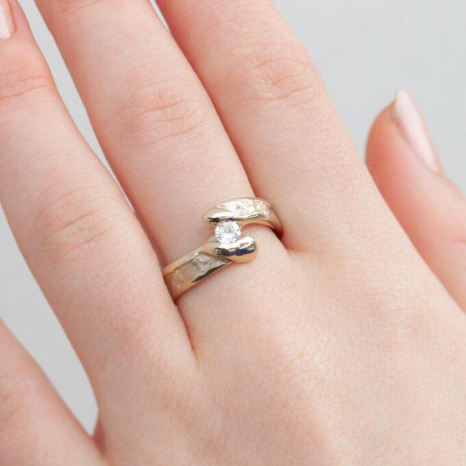 Witgouden verlovingsring met diamant N° 175 model foto