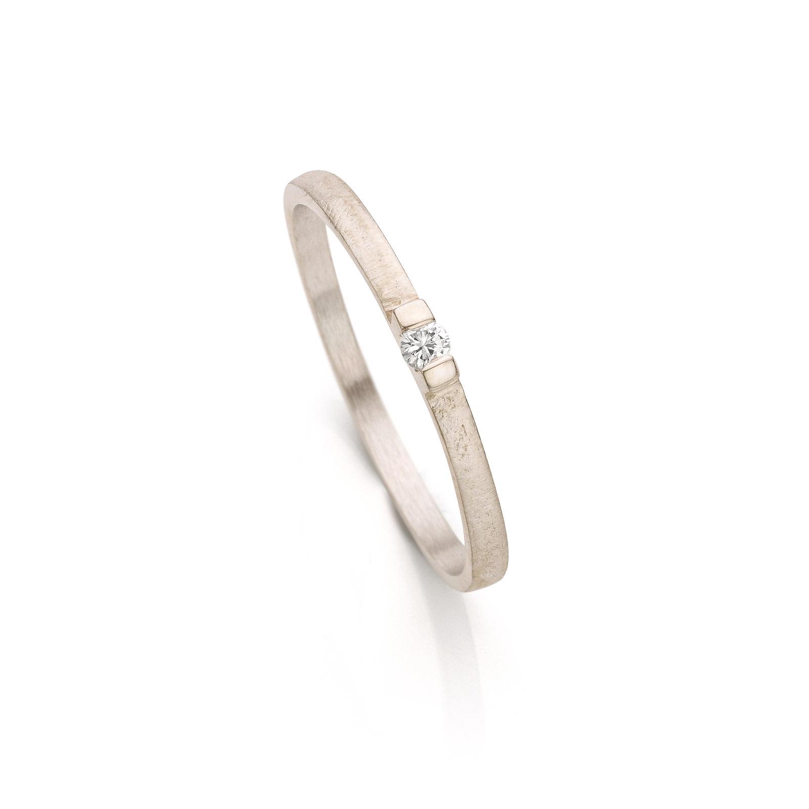 Witgouden verlovingsring met diamant N° 060
