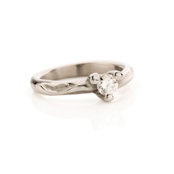 White gold engagement ring with diamond N° 121