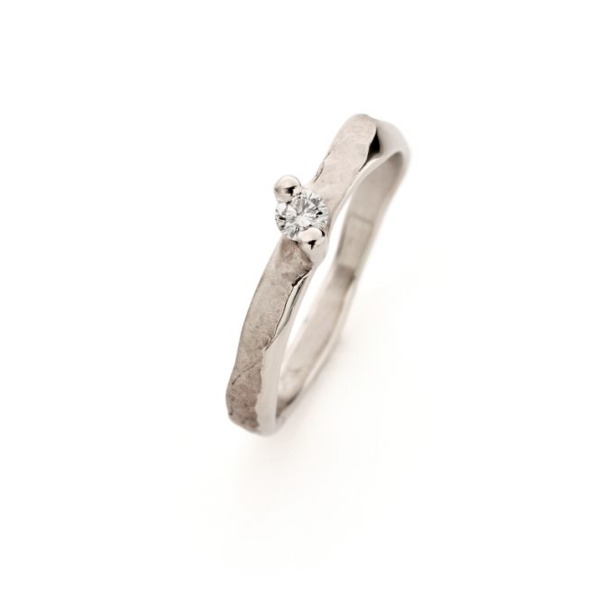 White gold engagement ring N° 237