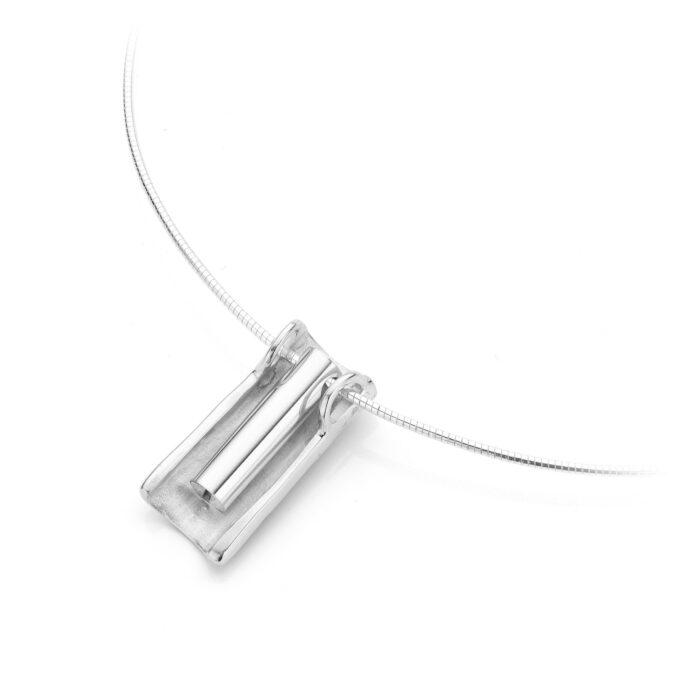 INP 064 Zilveren Asjuweel met diamant