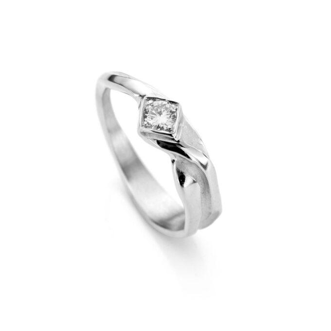 Rhodium gouden verlovingsring met diamant