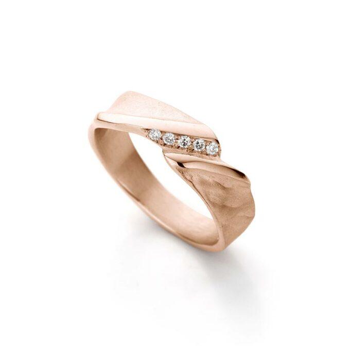 Rose gouden ring met diamanten