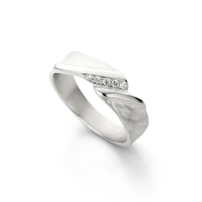 Rhodium gouden ring met diamanten