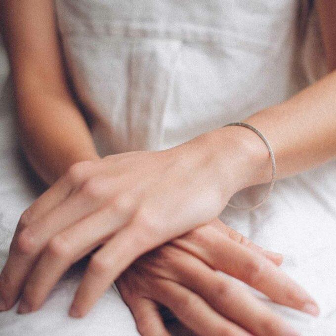 N° 043 Silver closed bracelet