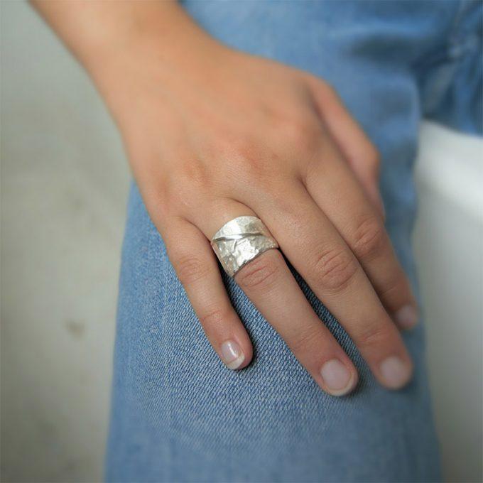 Zilveren ring N° 019 Model Picture