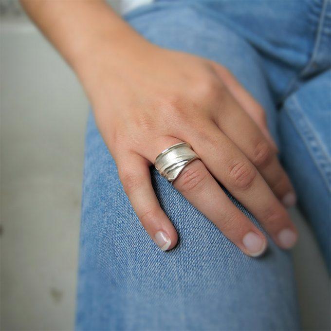 Zilveren ring N° 141 Model Foto
