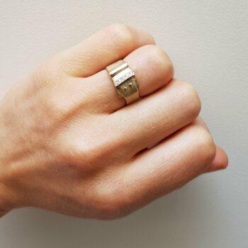 R 47 Witgouden Ring