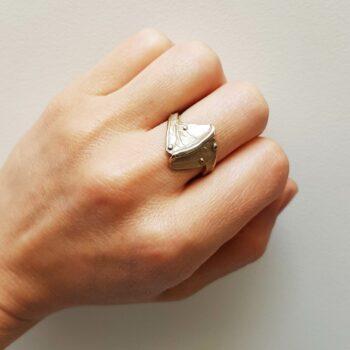 R 64 Witgouden Ring