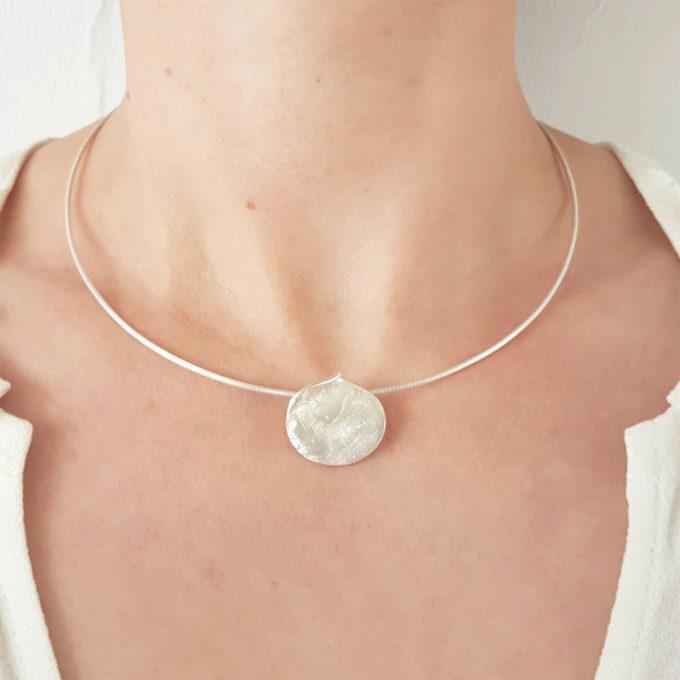 Zilveren halsketting N° 032 Model Foto