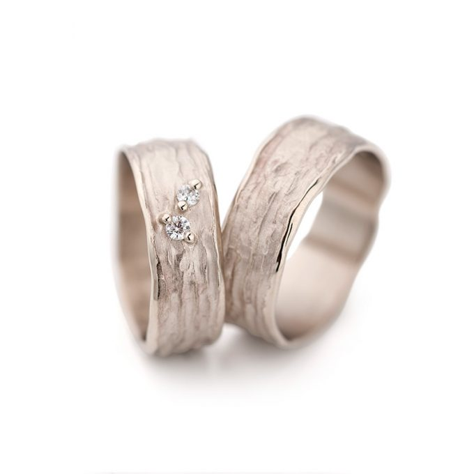 White gold wedding ring N° 28