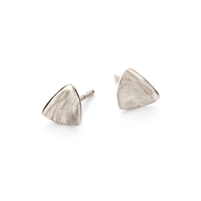 White golden earrings N034