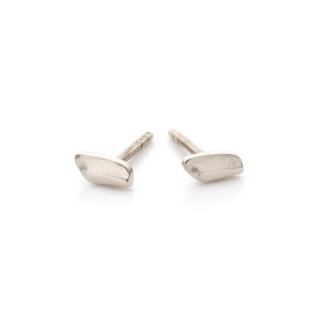 Witgouden oorbellen N035