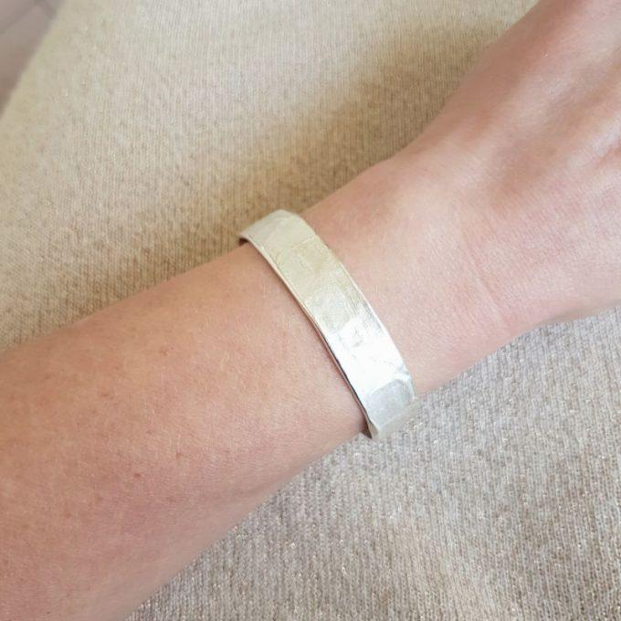Zilveren armband N° 016 Modelfoto