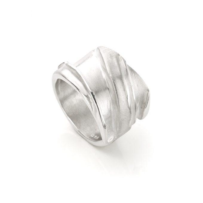 Silver ring N° 141