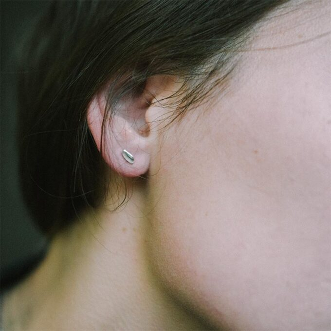web_ _0004_N° 035_silver earring_Ines Bouwen jewelry.jpg4