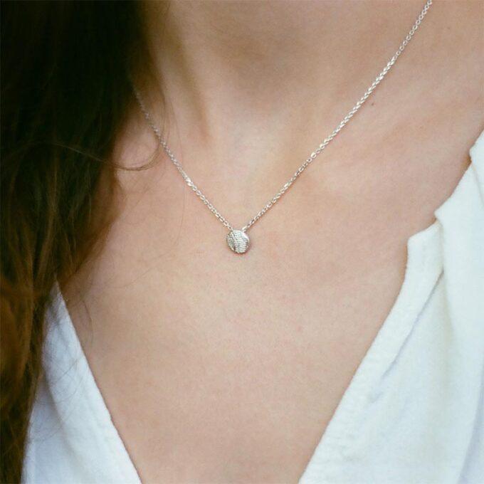web_ _0004_N° 22_halsketting_zilver_Ines Bouwen jewelry