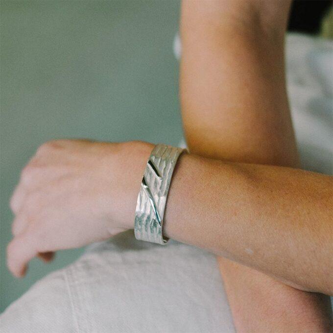 web__0007_N° 013_armband_Ines Bouwen jewelry